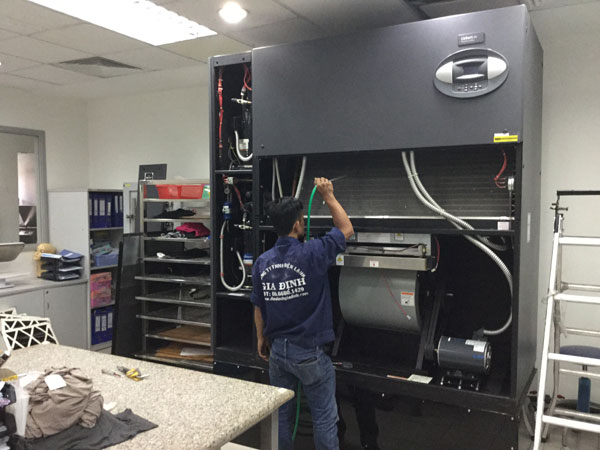 Vệ sinh máy lạnh công nghiệp