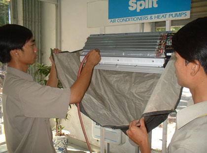 Vệ sinh Máy lạnh tại Quận 3 TPHCM